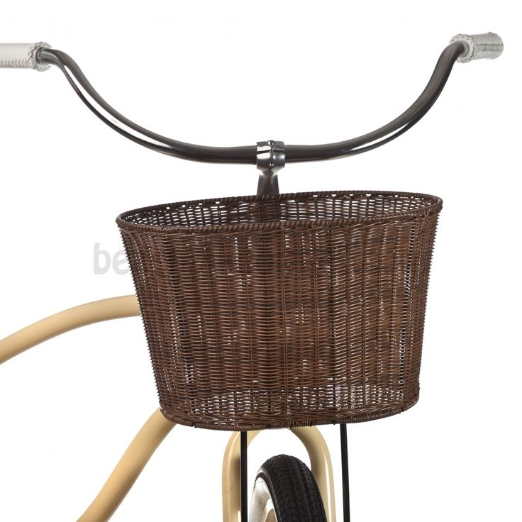 Faux Rattan Weather Safe Basket // beach bike outlet site has accessories and stuff