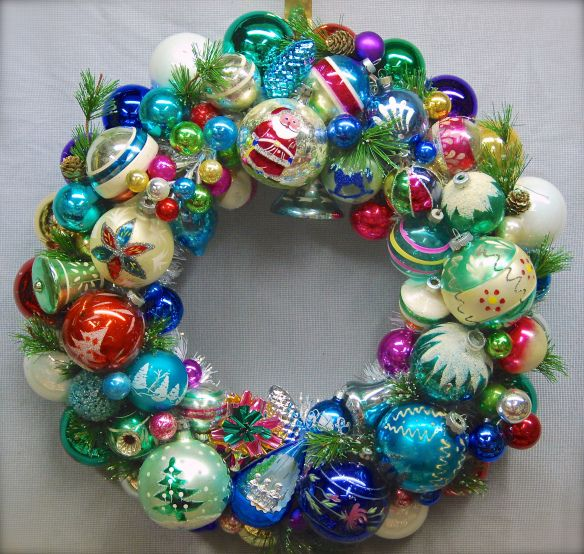 Old-Fashioned Christmas Wreath How-to