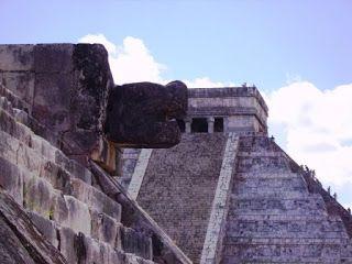 Chichen Itza #rivieramaya #mexico http://www.pacoyverotravels.com/2010/09/huracan-incluido-en-rivera-maya-octubre.html