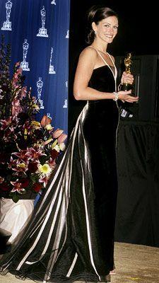 Julia Roberts Wedding Dress | Oscars 2001, Julia Roberts | 3. JULIA ROBERTS (2001) The pretty woman ...