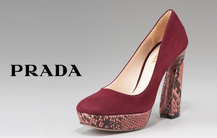 New Prada Fall 2011 Runway Collection. Snake skin to DIE for!!!