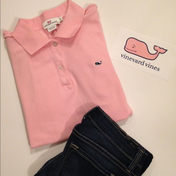 🎉Sale!!Vineyard Vines Pink Polo Shirt Small Excellent condition only worn a few times... Super preppy and cute🎀 size small... vineyard Vines Polo 🐳 Tops Button Down Shirts