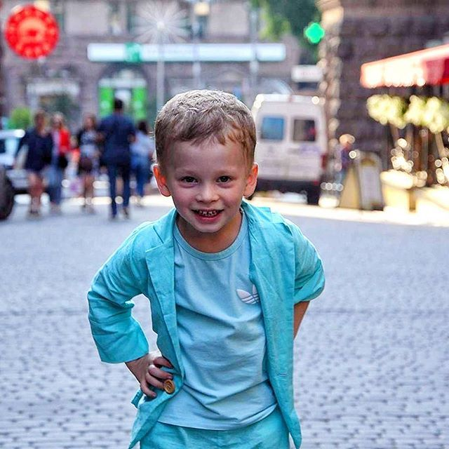 """""""Открою вам, кто самый лучший из мужчин, И кто на свете всех других дороже! Он - самый мой любимый, он - мой сын, И никого роднее быть не может. #счастье#люблю#дети#мечтысбываются #инстамама #инста#платок #хиджаб#платье#макияж #путешествие  #счастьеесть#фото#фотограф #лето#дом#праздник#шарики #красота #солнце#happiness #happy #photooftheday #day#makeup #dress #photographer #photography #traveling#makeup"""" by @sumayka_uk. #capture #pictures #pic #exposure #photos #snapshot #picture…"""