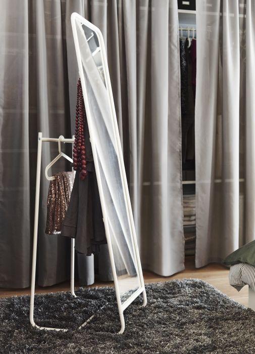 KNAPPER staande spiegel | #IKEA #slaapkamer #badkamer #wit #dressboy #kleedkamer