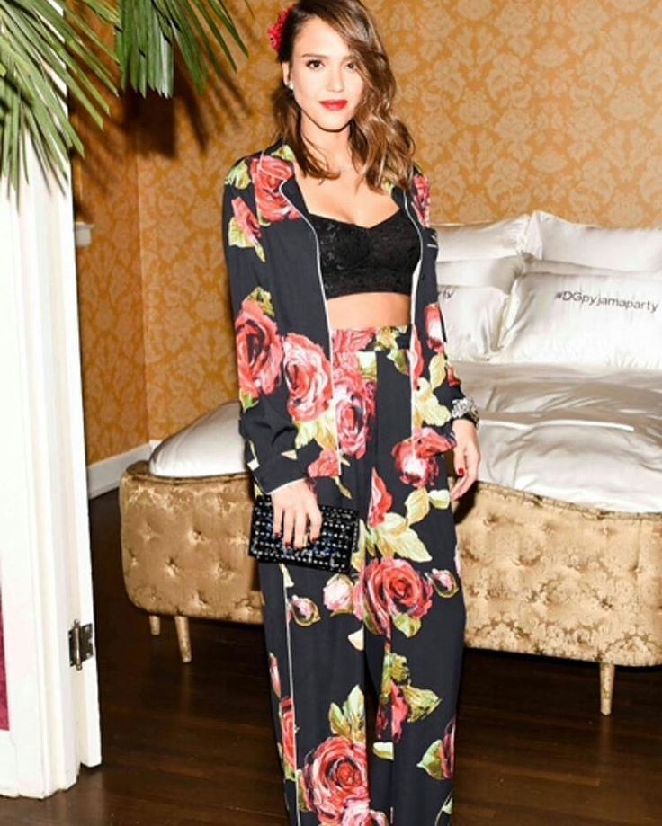 Dolce & Gabbana 2016 Los Angeles Chateau Marmont Fashion Pyjama Party. Sensual @jessicaalba in a floral #DGPYJAMAS at the #DGPYJAMAPARTY event in Los Angeles. Photo by @bfa for @dolcegabbana.