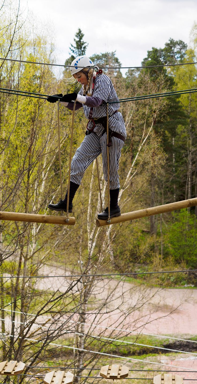 Seikkailu Huipussa palkitsee reippailijan. Onnistumisen ilo ja itsensä voittaminen maistuvat pelleillekin. #seikkailupuisto #treetopadventure #espoo #finland