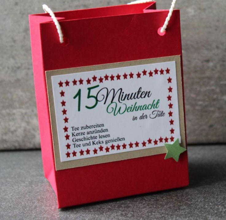 """Was kann man in der hektischen Weihnachtszeit Schöneres verschenken als Zeit? Wir zeigen Ihnen hier heute, wie Sie """"15 Minuten Weihnachten in der Tüte"""" zusammenstellen können. Wir zeigen Ihnen hier wie Sie in kurzer Zeit diese schöne und individuell anpassbare Tüte basteln können: Sie benötigen: Fotokarton rot 14 x 29 cm Fotokarton braun 5,5 x …"""