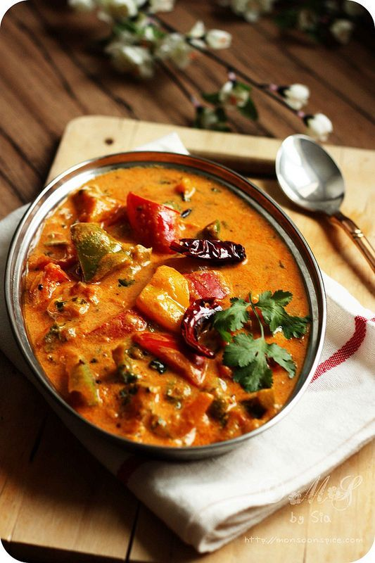 Creamy Tofu and Pepper Curry ~ Vegan curry of capsicums/bell peppers cooked in a mildly spiced creamy tofu and tomato gravy Recipe: http://www.monsoonspice.com/2013/05/creamy-tofu-and-pepper-curry-recipe.html I think I might sub. paneer for the tofu.