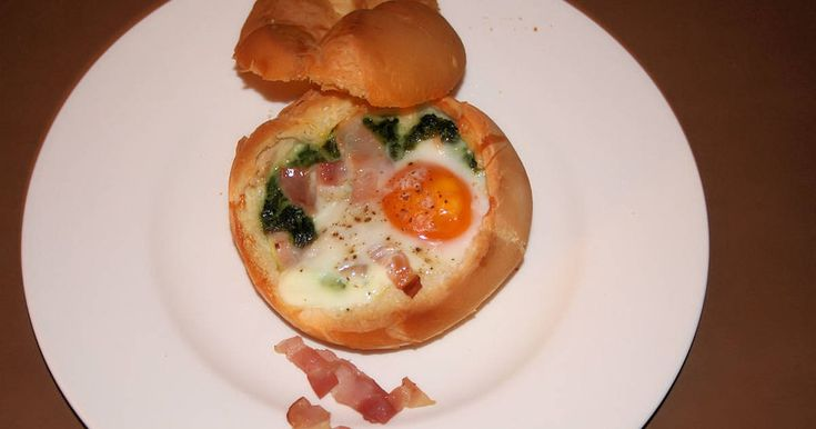 Fabulosa receta para Huevo en panecillo. Fácil, rápido y barato