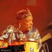 famoudou don moye albums   Famoudou Don Moyé en concert : place de concert, billet, billetterie ...