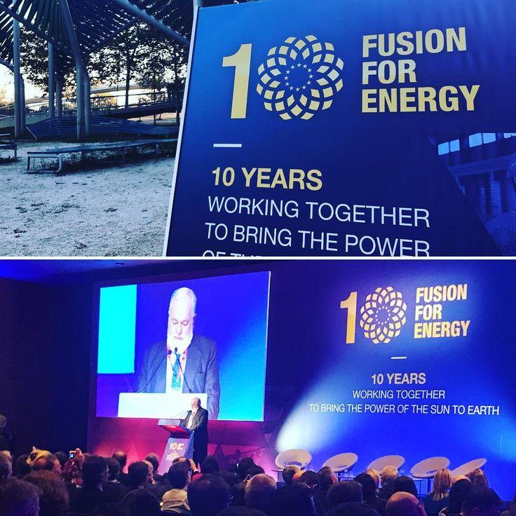 #Fusion4Energy l'agència de la UE que treballa pel projecte #Iter des de Barcelona fa 10 anys. Iter és un projecte internacional per crear una font d'energia neta segura i inesgotable. Es basa en la recerca en l'energia de fusió que és l'energia que generen el sol i les altres estrelles. Així Fusion for energy fa 10 anys que treballa per portar l'energia del sol a la terra. Felicitats!!! El comissari europeu d'energia Miguel Arias Cañete ha recordat avui que la inversió en energies netes és…