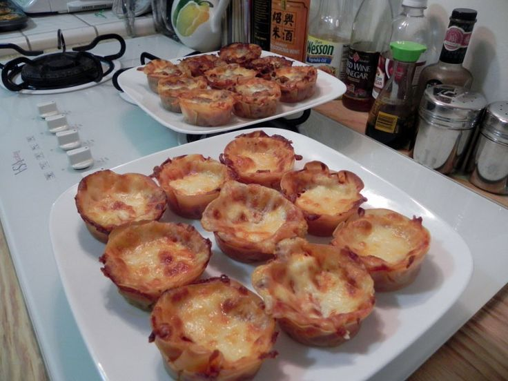 Lasagna in cupcake tin (wonton wrappers instead of noodles)