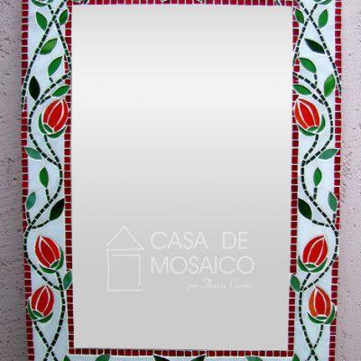 Espelho vermelho de tulipas laranjas
