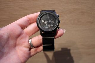 Sony Wena smartwatch moves the brains to the bracelet