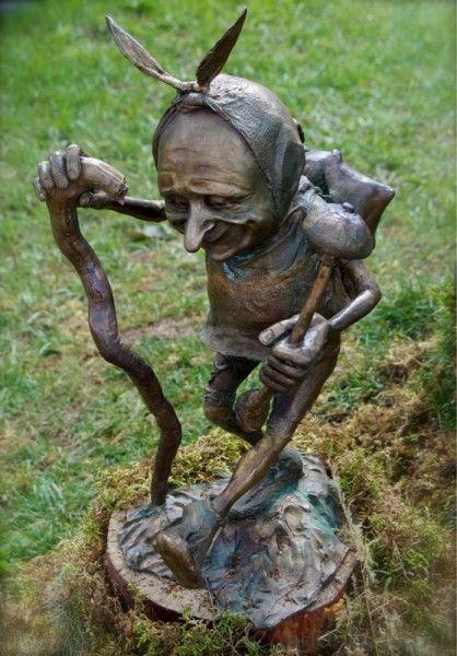 Гоблин (садовая скульптура)