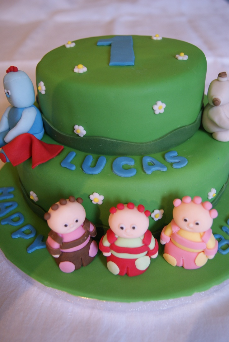 2 tiered In The Night Garden Cake.  This can be adapted to a 1 tier cake if required