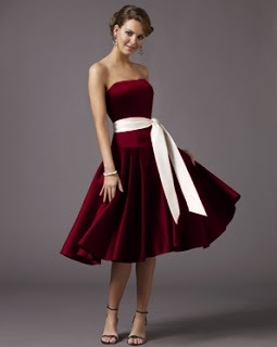 My Old Hollywood Glamour Wedding: Bridesmaid Dress!! (I want my bridesmaids wearing something like this