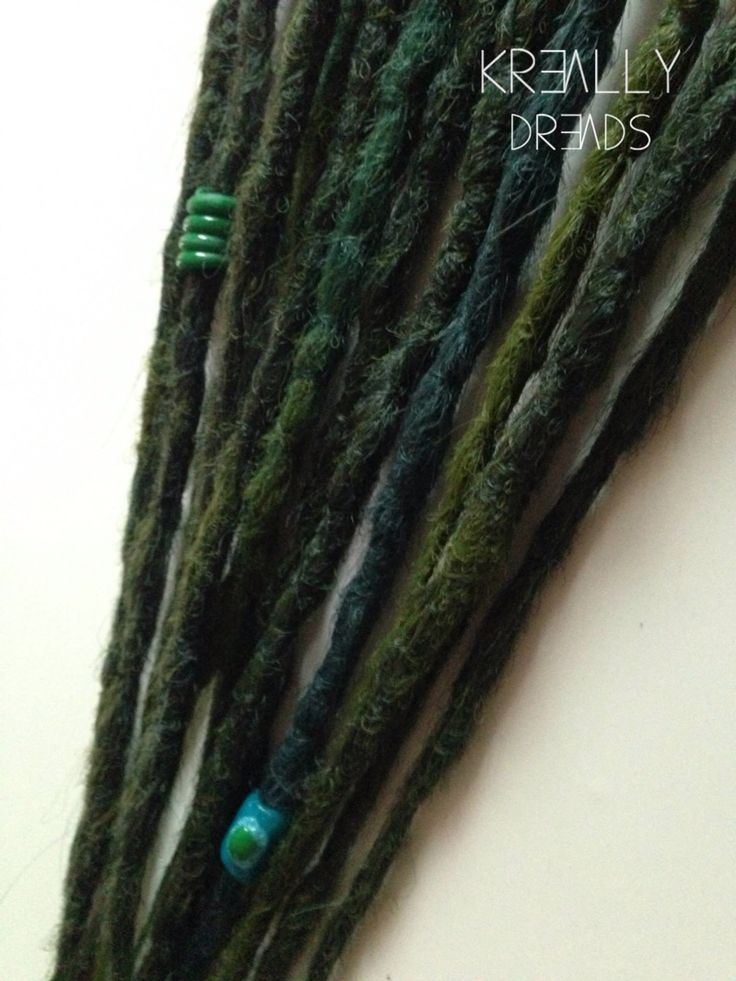 Some Green Double Ended dreads for Michi <3 Love that shit :-) made by kreallydreads #synthetic dreads #fake dreads