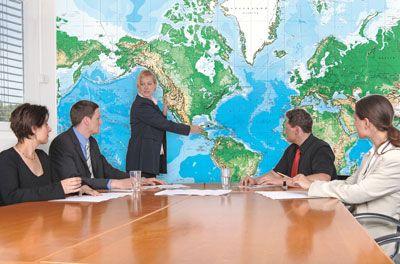 Beschrijfbare wereldkaart Op deze natuurkundige wereldkaart kun u ook uw doelen/vakantielanden markeren èn weer uitwissen! Wordt geleverd inclusief markeerstift (dry-erase). Voor vele doeleinden te gebruiken. Zowel zakelijk als voor de particulier Prijs 149,95