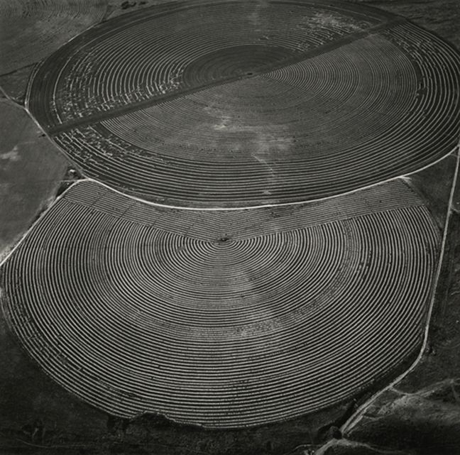 """The """"Immorally Gorgeous"""" God's Eye View Photographs Of Emmet Gowin"""