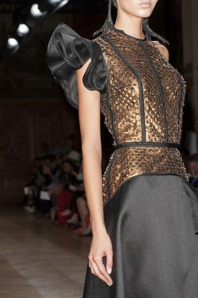Dragon scale style dress for Rhaella Targayren, Oscar Carvallo