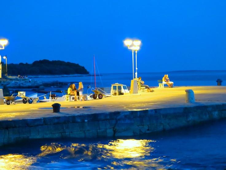 Port Žalić by night!
