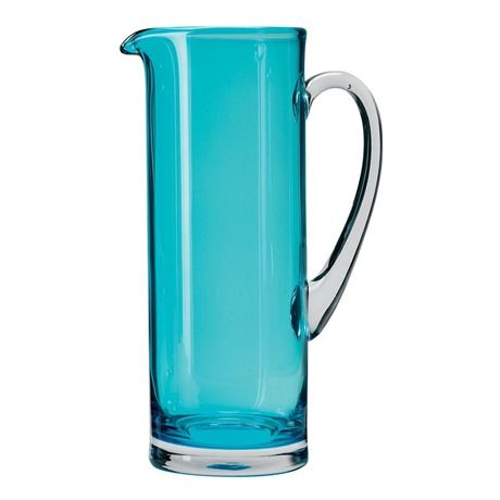 Add a touch of colour to an informal drinks party with the LSA Basis 1.5L Jug. The colour really pops as the base and the handle are both clear glass.