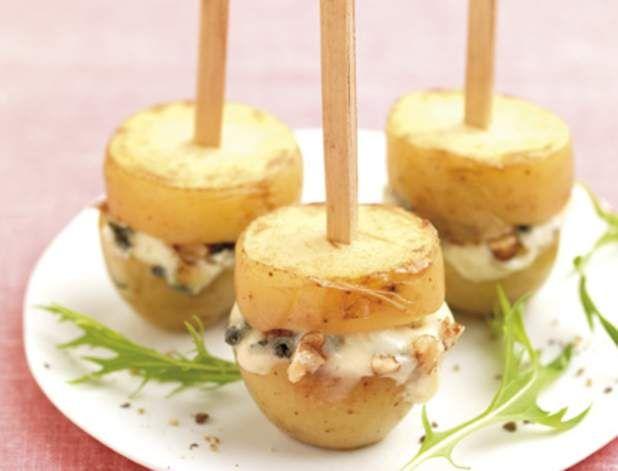 Sucettes de pommes de terre aux noix et au roquefor