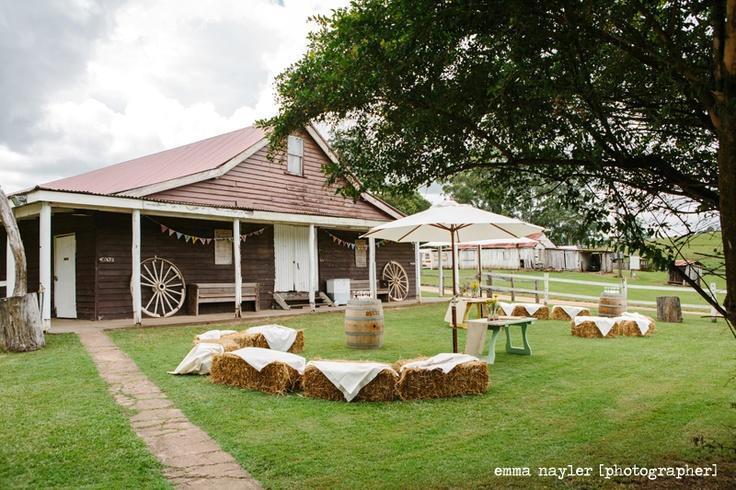 Emma Nayler [Photographer] Kenilworth Homestead Wedding