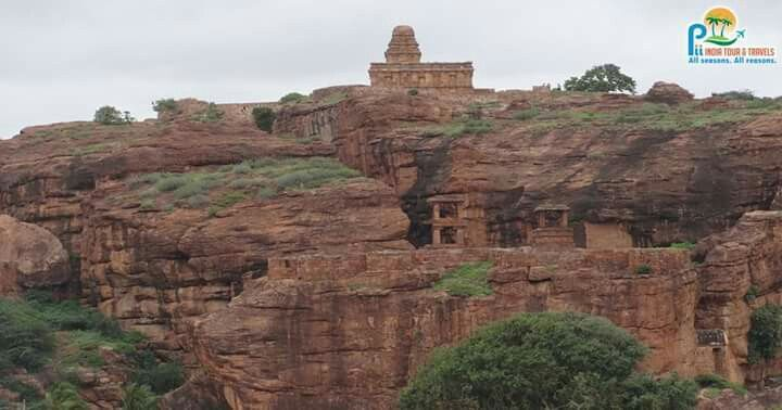 #Badami #CaveTemples, Karnataka. The rock-cut Badami #Chalukya architecture dates back to the 6th century. The cave temples are a part of a #UNESCO designated #WorldHeritageSite candidate.