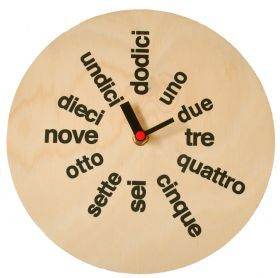 Fantastic vintage feel. Learning Italian while checking the time woohoo!