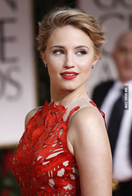 ((Dianna agron)) Hello. Im Sarah. I'm from America and just moved here. Im a model and would love to get to know people better. I dont talk about my past so dont ask
