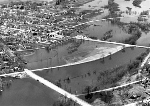 Floodwaters from the Mississippi River affect portions of Clinton, Iowa in April 1965. Photo by the National Weather Service.