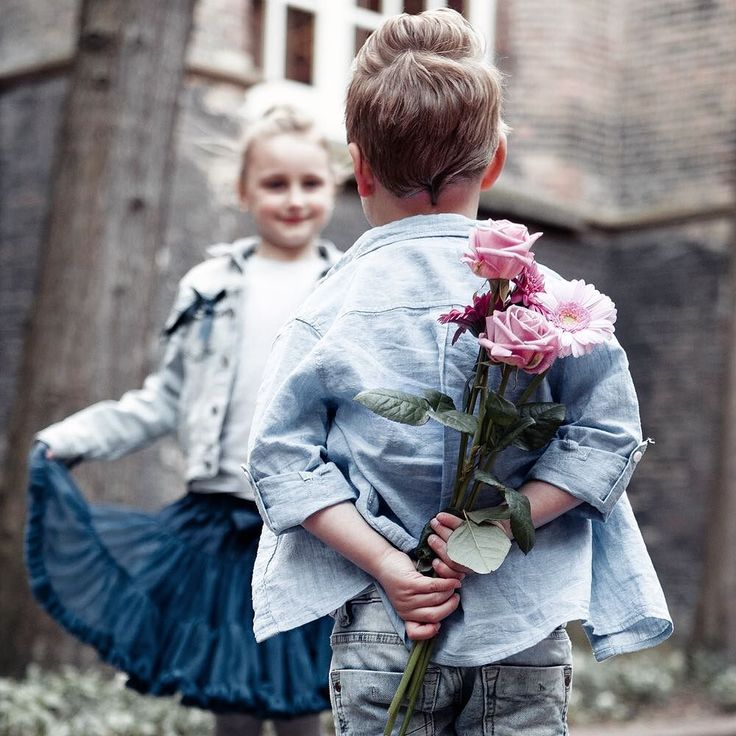 A Rose speaks of Love silently in a language known only to the  heart.  - #project365 #day88 #photochallenge #love #pink #roses #flowers #brotherandsister #broertje #zus #sweet #surprise #foto #fotografie #kinderfotoshoot #kinderfotograaf #kinderfotografie #kidsphotography #photography #fotograaf #dk_photography #outdoorphotography #canon #nowitsyourturn #geefjeookop #fotoshoot #MAKELOVENOTWALLS