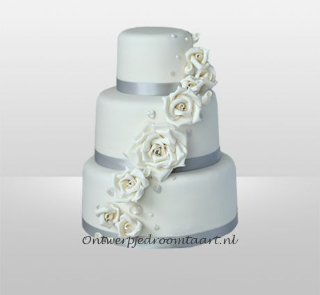 Bruidstaart zilver met witte rozen
