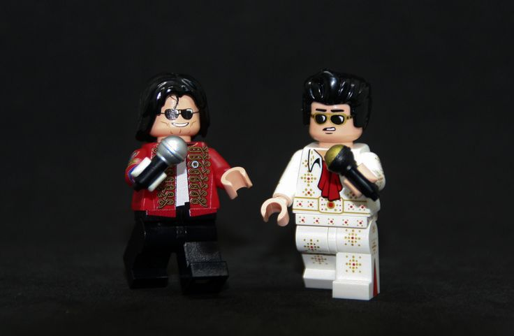 https://flic.kr/p/U1L384 | Who's the real King ? Pop or Rock ? | King of Pop by minifigures.com (not pad print) / King of Rock by Citizen Brick