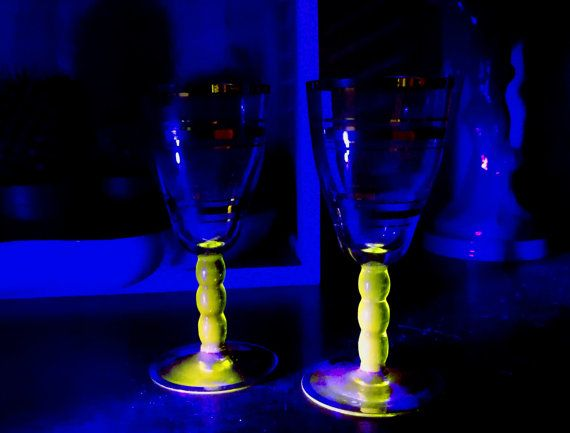 Uranium glass aperitif glasses, Vaseline glass port glasses, Pair of vintage sherry glasses, Vintage bar man cave, Antique Vaseline glass