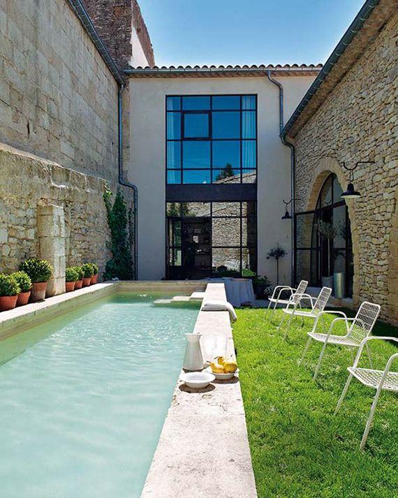 10 backyard pools to steal your heart | Image via Nuevo Estilo