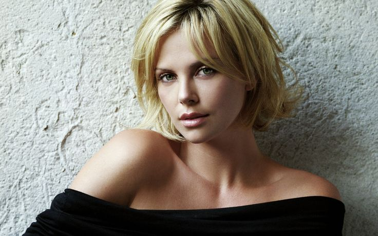 Charlize Theron - Height, Weight, Bra Size, Measurements & Bio