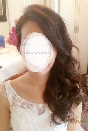シニヨン&サイドダウン♡美人花嫁さまのフェミニンな2スタイル の画像|大人可愛いブライダルヘアメイク『tiamo』の結婚カタログ