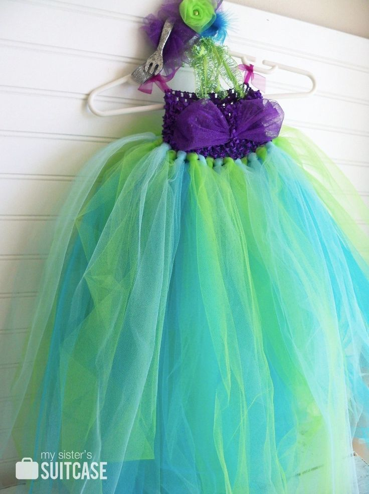 diy little mermaid costumes for toddlers -  Good idea for MC