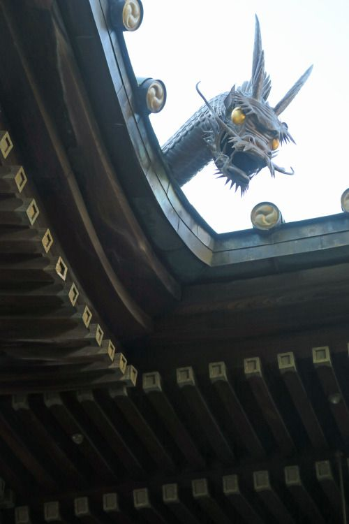 a Japanese dragon at the temple ,Shinagawa