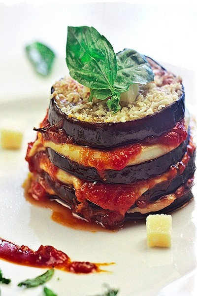 Berenjenas A La Parmesana.  Our Italian Family Table... (1) From: Cocina Ole Tus Fogones, please visit