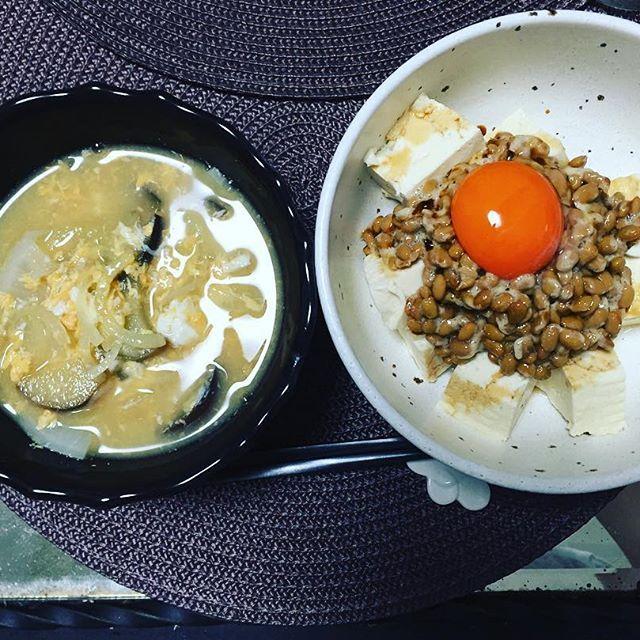 2016/11/10 10:53:14 elders_japan おはようございます🎶お家ディナー😊 インフルエンザが流行している理由の一つにタンパク質不足が挙げられます👍 そして酵素の摂取😄 豆腐…納豆…卵黄にキノコ味噌汁✌️ #インフルエンザ  #タンパク質  #酵素  #味噌汁  #キノコ  #舞茸  #納豆  #豆腐  #卵黄  #卵  #栄養  #健康  #ハワイ  #エルダース  #大阪 大阪 本町 #健康