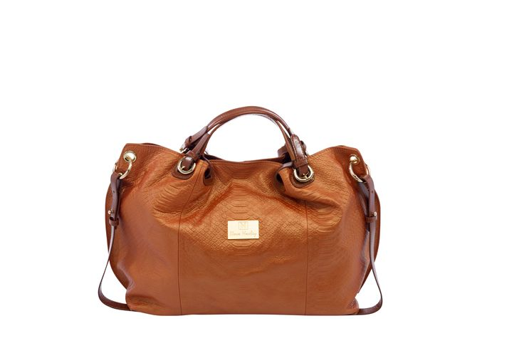 The Nova Harley Paris is the ultimate in understated glamour and sophistication. The Paris is made from the finest leather and is a classically beautiful bag. Finished to the highest standards with 13 picture labeled pockets and zipper storage sections: To store all essential baby items and a Mother's section...you can't go wrong!
