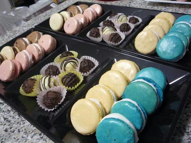 Macarons e palline di cioccolato per un dolce regalo di natale!!