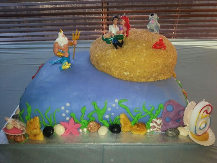 Ariel / under the sea birthday cake. I made this for my first born when she turned 6 and asked for an Ariel party ♡