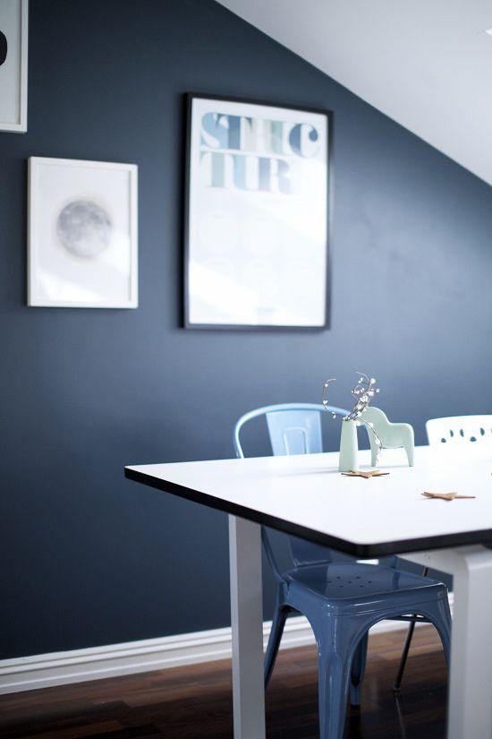 Les 25 meilleures id es de la cat gorie murs bleu fonc sur pinterest murs de la marine murs for Decoration salon bleu marine