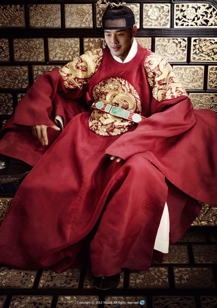 Yoo Ah In as King Sukjong Jang Ok Jung