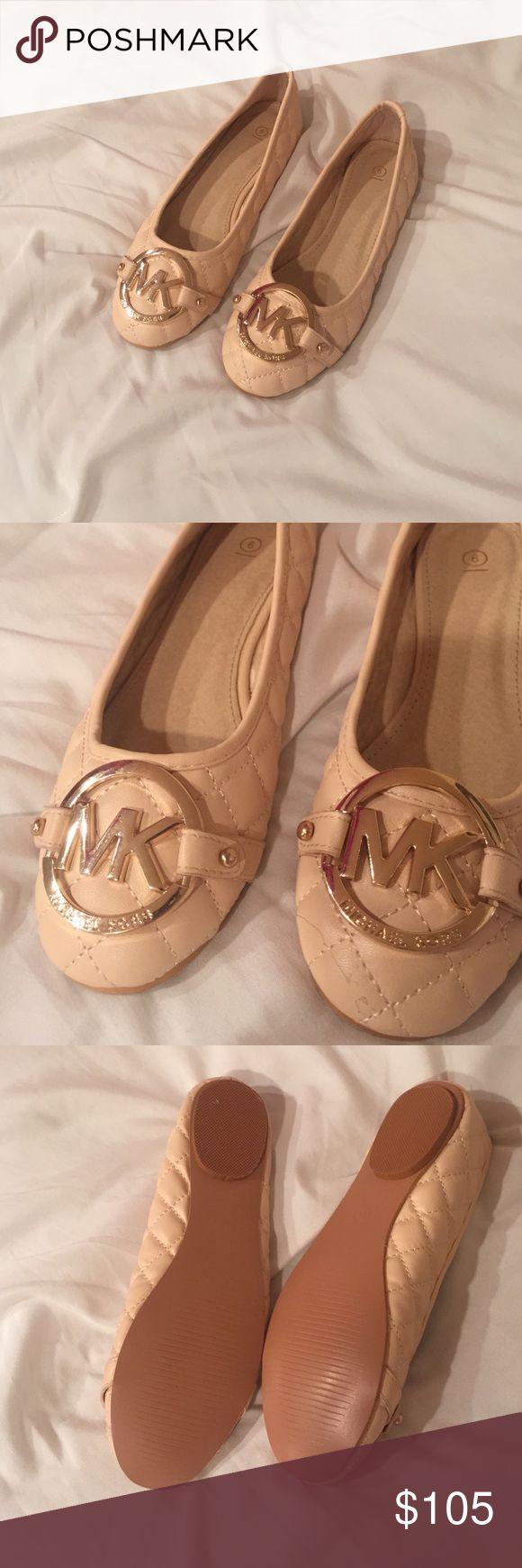 Michael Kors Flats Brand new never worn Michael Kors Shoes Flats & Loafers